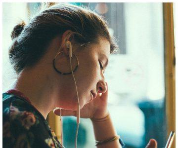 Conheça 9 podcasts produzidos por mulheres